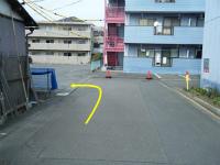 左側に駐車場20番があります。