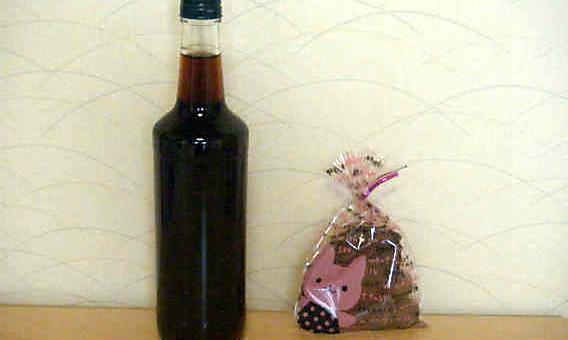 早めのバレンタイン、珈琲酒とクッキーのプレゼント