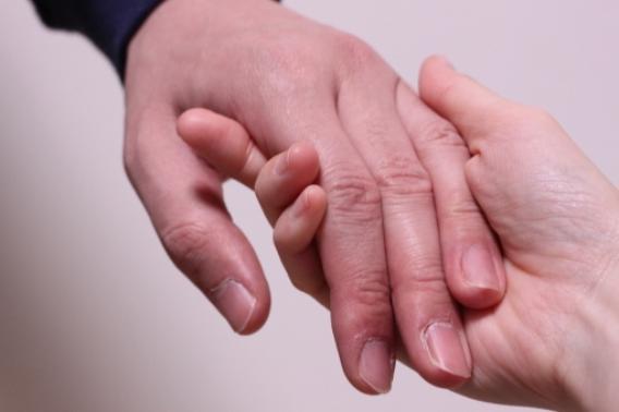 パートナーの愛情を充分に感じている女性は何%?